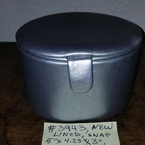 #3943 NEW La Prairie Cosmetic Hard Travel Case bag